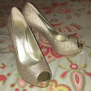 Guess open toed gold glittery pumps